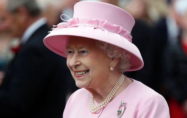 برطانیہ کی ملکہ الزبتھ دوئم