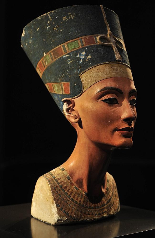 مصر کی ملکہ  Nefertiti