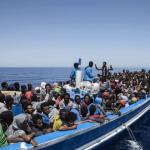 سال 2015ء میں 10 لاکھ تارکین سمندر عبور کر کے یورپ آئے