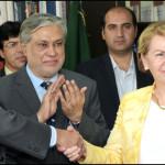 سیکرٹری اقتصادی امور ڈویڑن شاہد محمود، پاکستان میں فرانسیسی سفیر مارٹین ڈورنس اور اے ایف ڈی کے کنٹری ڈائریکٹر جیکی امپرو اور وفاقی ویزر خزانہ اسحاق ڈار
