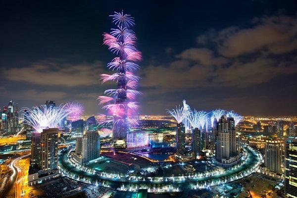 سال نو کے استقبال کے لیے آتش بازی کے بجائے برج الخلیفہ کی چوٹی سے روشنیوں کی پھلجھڑیاں چھوڑی جائیں گی
