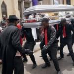 حال ہی میں گھانا ایک شخص کو مرنے کے 6 برس بعد دفنایا گیا ہے