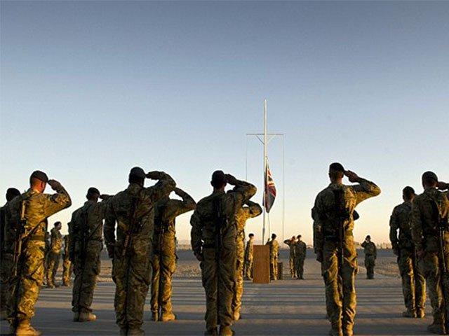 برطانوی وزیر اعظم تھریسامے نے 440 اضافی فوجی افغانستان بھیجنے کی یقین دہانی کرائی ہے