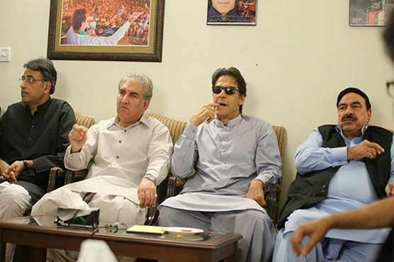 عمران خان کو ملنے والے واضح مینڈیٹ کے باوجود حکومت سازی کا عمل ایک نئے بحران سے دوچار ہوتا نظر آ رہا ہے