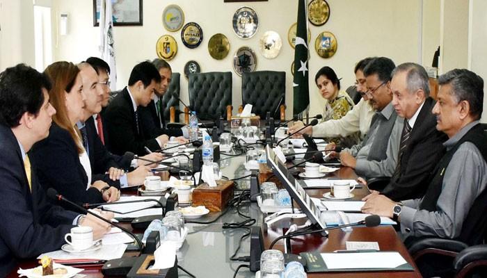 آئی ایم ایف  کے وفد اور پاکستانی معاشی ٹیم کے درمیان مذاکرات