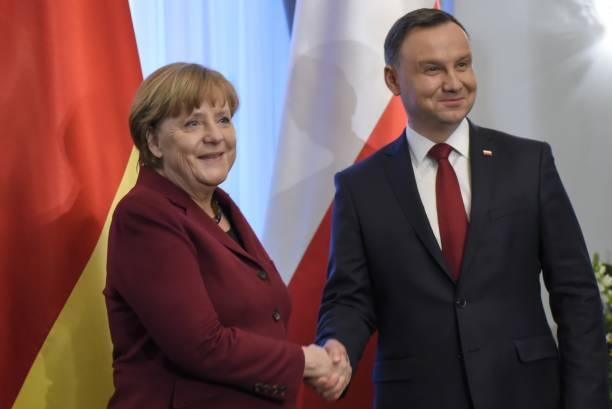 پولینڈ کے صدرانڈریے ڈوڈا  اور جرمن چانسلر انجیلا مرکل