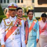 تھائی لینڈ کے بادشاہ نے  محل کے 6 افسران بھی فارغ