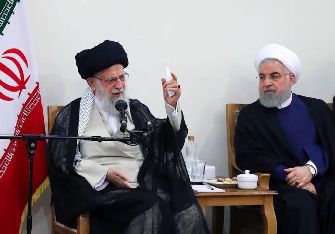 ایرانی صدر حسن روحانی اور سپریم لیڈر آیت اللہ علی خامنہ ای