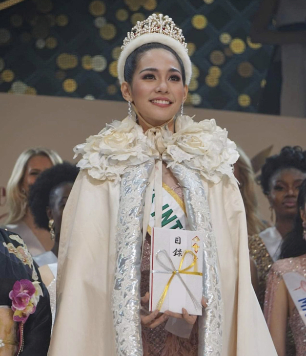 سرینوتھ برنٹ ستمبر 2019 میں مس تھائی لینڈ منتخب ہوئی تھیں