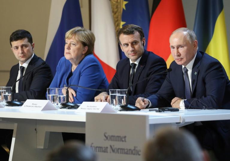 اجلاس میں فرانس کے صدرعمانویل ماکرون، روس کے صدر ولادی میر پیوٹن، یوکرین کے صدر ولودی میر زیلنسکی اور جرمن چانسلر انجیلا مرکل نے شرکت کی