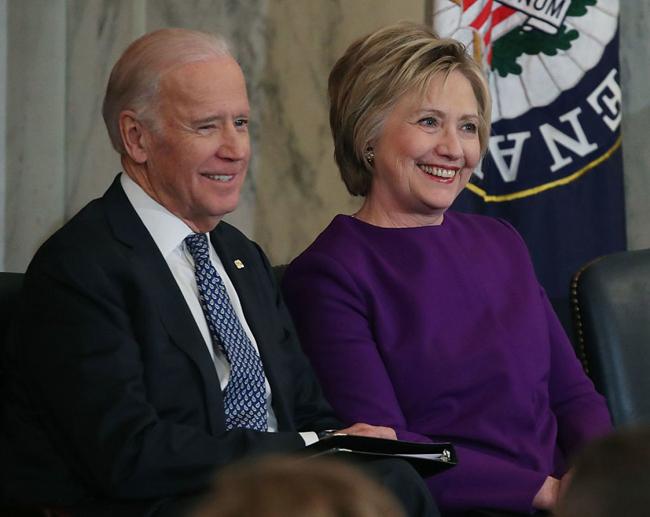 امریکا کی سابق وزیر خارجہ ہیلری کلنٹن نے آئندہ صدارتی امیدوار صدر جو بائیڈن